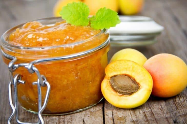 абрикосы с медом