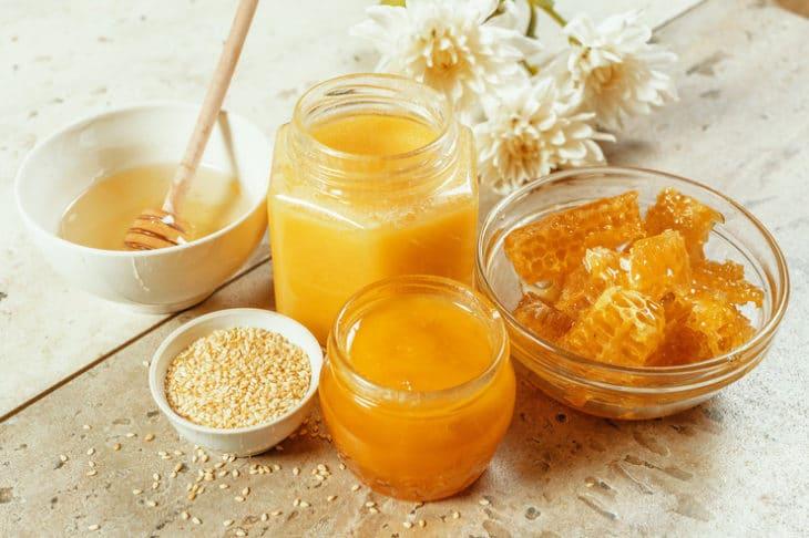 густой и жидкий мед