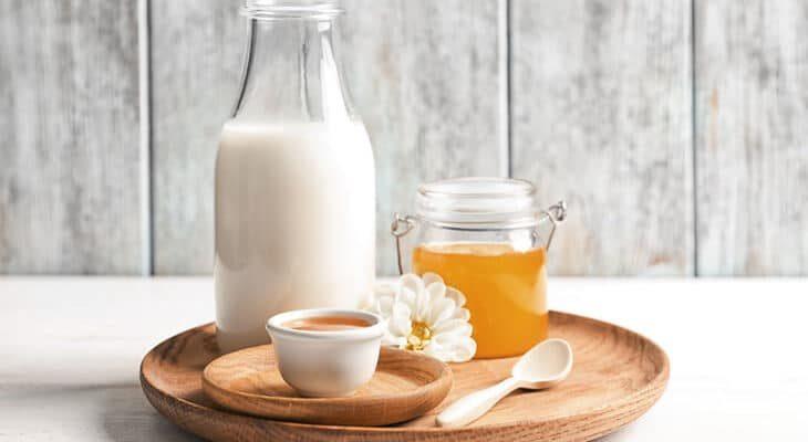 ромашка, мед и молоко