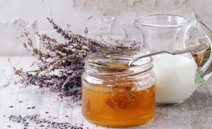 мед с молоком и лавандой
