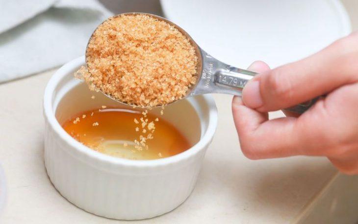 скраб из соли с медом