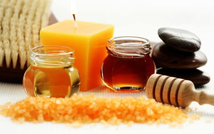свечи с камнями и медом