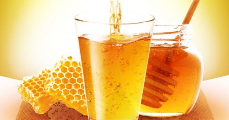 медовуха в стакане