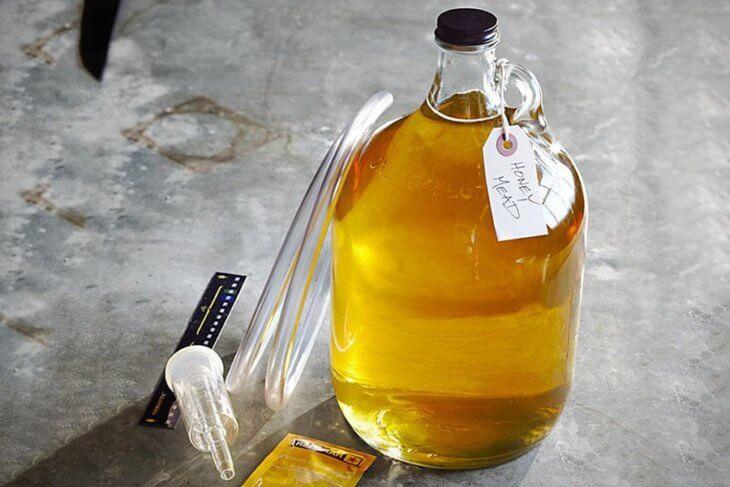 бутыль с медовухой