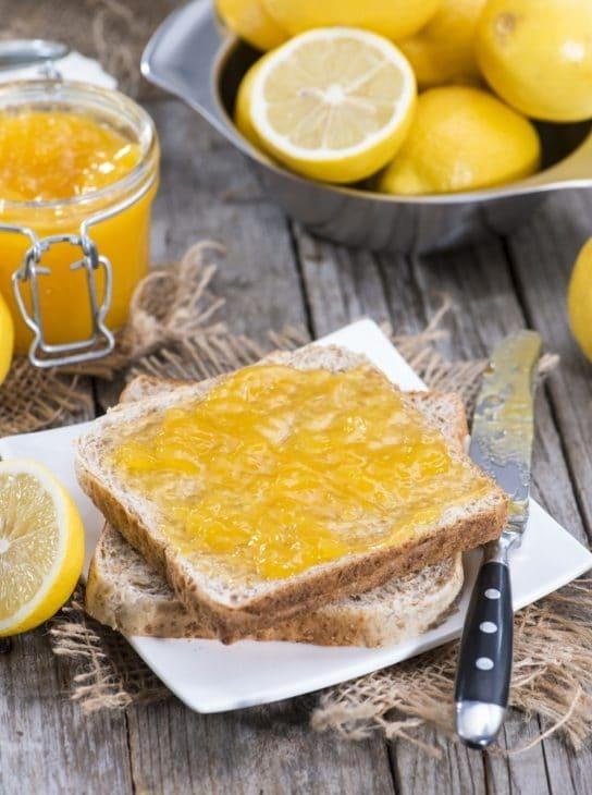 лимон с медом и хлебом