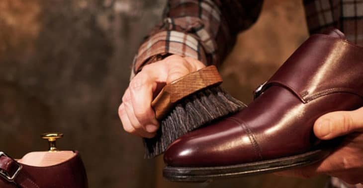 полировка обуви воском