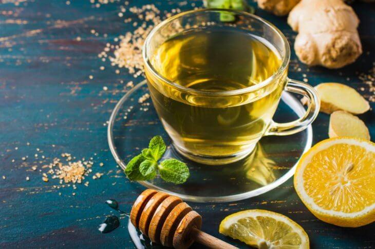 мед в горячем чае