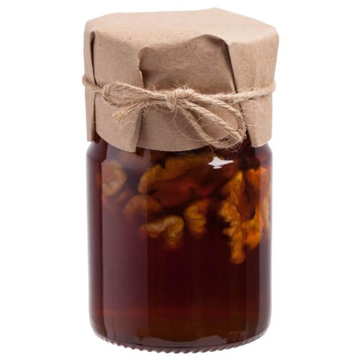 банка с медом и орехами