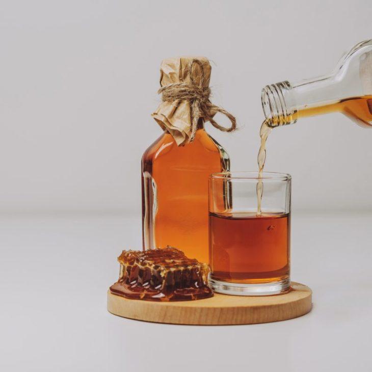 мед в самогоне