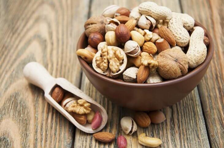 орехи в пиале