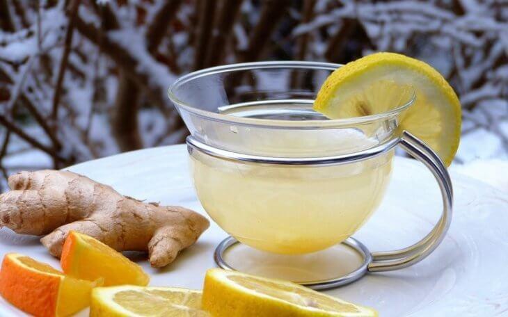 корень имбиря с медом и лимоном