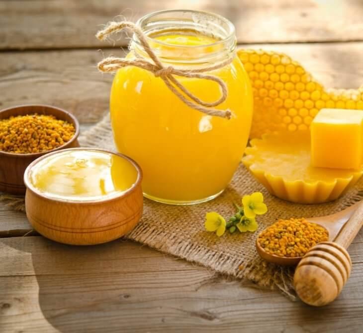 мед и другие продукты, производимые пчелами