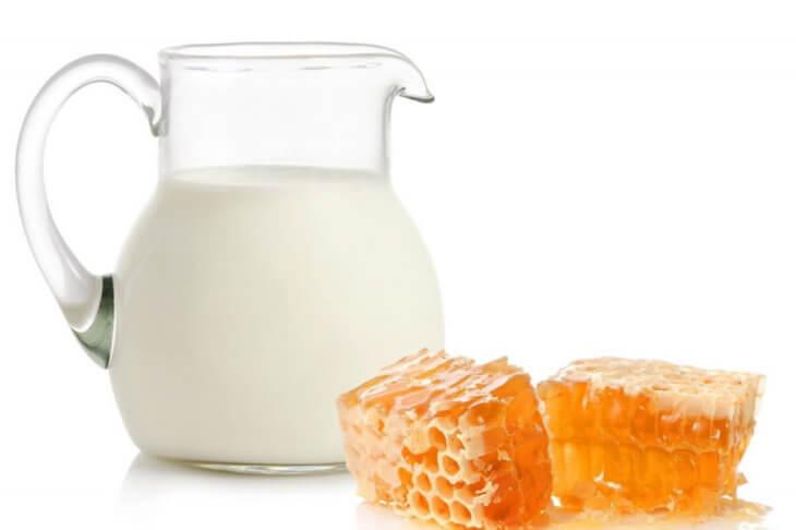 сотовый мед с молоком